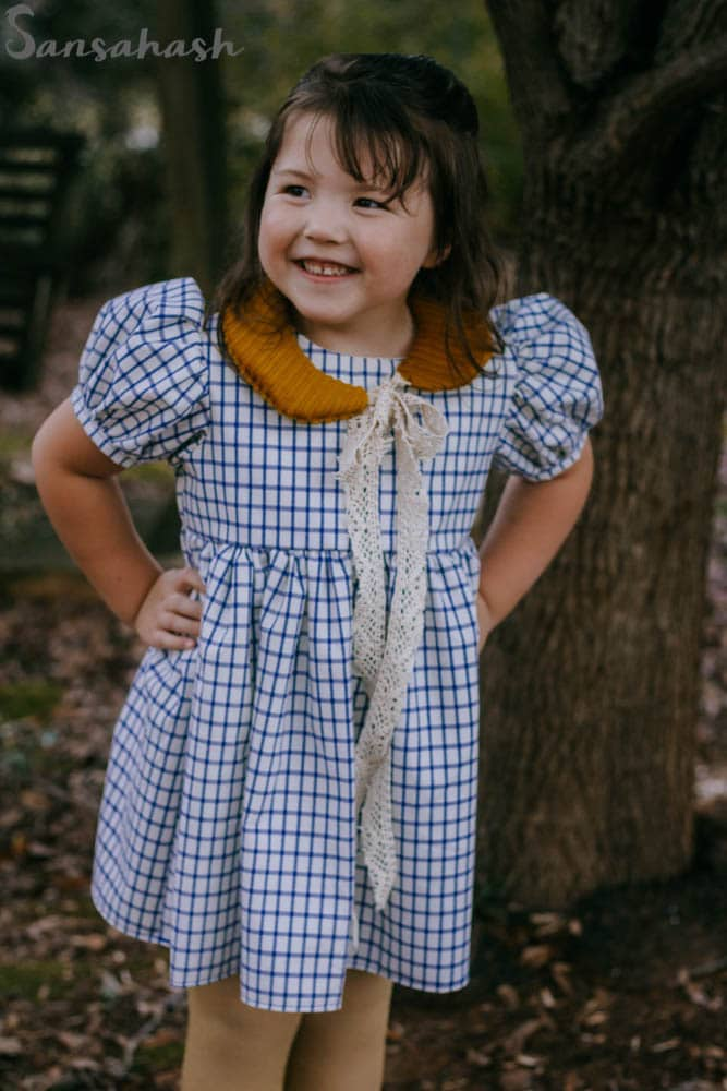 This gorgeous vintage dress with a collar reminds me when I was young